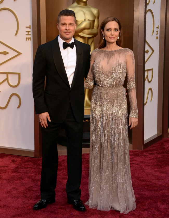 http://www.huffingtonpost.co.uk/2014/03/03/oscars-2014-best-worst-dressed-red-carpet-pictures_n_4866001.html#slide=3485904