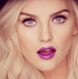perrie-little-mix-move-video-lipstick